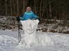 Schneelöwe & Ursula / Snow lion & Ursula (rudi_valtiner) Tags: ursula schnee winter snow frau girl woman female löwe lion figure figur