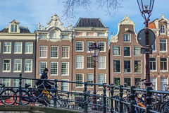 Flying through the cold (farflungistan) Tags: canon 7d winter 201617 amsterdam holland nederland netherlands jordaan canon7d winter201617 streetphotography