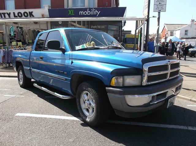 pickup dodge ram 1500 v8