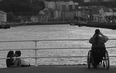 Disfrutando (Santi Laespada) Tags: bw bn bilbao bizkaia basquecountry olabeaga