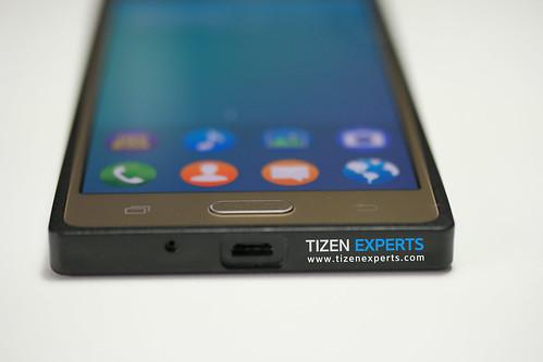 "Samsung-Z3-Developer-Device-TM1-Tizen-Experts-16 • <a style=""font-size:0.8em;"" href=""http://www.flickr.com/photos/108840277@N03/19675814994/"" target=""_blank"">View on Flickr</a>"