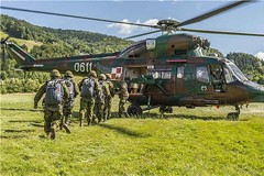 Operation REASSURANCE (Canadian Army | Arme canadienne) Tags: training army exercise poland helicopter international extrieur caf instruction nato otan hlicoptre equipmenttransport opreassurance opreassurance15 natoreassurance15
