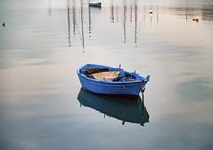 Dead calm (Paco CT) Tags: agua barca reflejo transporte boat bote reflection transportation bari italy ita outdoor sea pacoct 2016