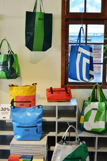 Freitag pop-up shop06.jpg