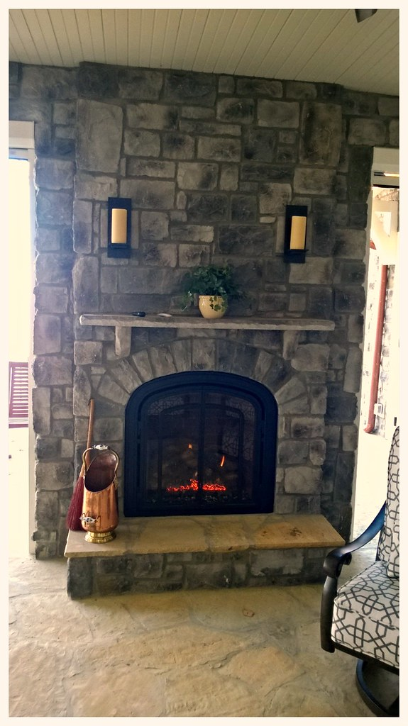 Mendota M-50 Greenbriar Direct Vent Gas Fireplace. Chattanooga, Tn.