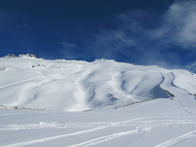 Saddle Basin with 30cm of new snow - Treble Cone, Wanaka NZ (16.9.2014)
