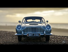 Aston Martin DB5 1/18 Autoart (vapi photographie) Tags: ocean kite car grey james model surf martin bond aston 118 diecast db5 autoart