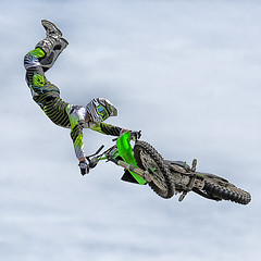 Remi Bizouard (malainxx24) Tags: blue sky sports bike speed square french flying cool jump jumping nikon freestyle action extreme helmet bluesky move figure dirtbike tamron rider xtreme remi carr acrobatic motocroos bizouard