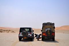 off-road ready (charlottehbest) Tags: sun sand desert jeep exploring middleeast roadtrip rover adventure land april landrover oman landy defender 2015 emptyquarter landroverdefender defender110 rubalkhali charlottehbest