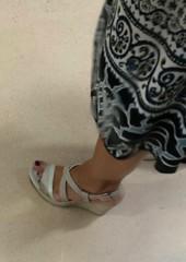 Street feet (218) (♠I Love Feet & Shoes♠) Tags: street sexy feet stockings pie shoes highheels sandals tights lingerie heels pés huf hoof bas pieds mules pantyhose schuhe casco piedi meias medias scarpe sandalias chaussures sapatos sandálias zapatillas sandalen ноги sandales чулки sabot sandali πόδια strümpfe ботинок παπούτσια туфля calcanhares каблуки füse σανδάλια κάλτσεσ копыто сандалий οπλή