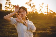 IMG_3062 (Yi-Hong Wu) Tags: 芒草 漢服 芒花 古裝 漢 女生 女孩 女性 女 女子 人 女人 山上 互惠 雪景 扇子 傘 逆光 舞 曜光 反射 情緒 可愛 美麗 外拍 室外 戶外