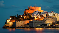 Peniscola (digithill) Tags: peniscola spain southernspain night nightshot bluehour castle