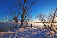353/366 (local paparazzi (isthmusportrait.com)) Tags: 366project canon5dmarkii tokina1628f28 zoom lopaps pod 2016 redskyrocketman localpaparazzi isthmusportrait madisonwi danecountywisconsin lakemonona isthmus outdoors wide tokina 1628 f28 ultrawide wideangle zoomlens winter cold chilly photoshopelements7 landscape snow frigid frozen freezing subzero person human father fatherinlaw hat shadow silhouette blue catchycolorsblue