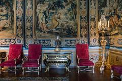 Un rinconcito acogedor (Juan Ig. Llana) Tags: maincy îledefrance francia palacio chateau decoración sillones candelabro tapiz tapices arquitectura edificio interior