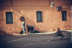 2015-03-14_Méchanique des B(ea_i)ts_Marrakech_14 (omnivion) Tags: méchaniquedesbeaits omnivion marrakech maroc performance pierrehenriramboz ph jamaaelfna dimitritsiapkinis festival onmarche