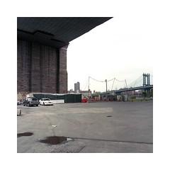 (roberto_saba) Tags: kiev88cm kiev carlzeissjena zeiss flektogon mediumformat 6x6 120 kodak portra 400 newyork nyc ブローニー manhattanbridge bridge brooklyn brooklynbridge