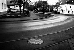 It could be smooth (Leica M6) (stefankamert) Tags: meinfilmlab wwwmeinfilmlabde stefankamert street smooth grain bw baw sw blackandwhite blackwhite schwarzweis leica m6 leicam6 m voigtländer nokton 35mm kodak trix film analog scan rangefinder glittering grey tones
