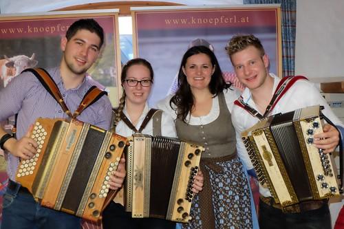 Knöpferl-Team (800x533)