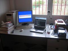 Multitask III (tripu) Tags: home window computer table heidi spain bedroom laptop 2006 marco february installing guadalinex kubuntu caparacena