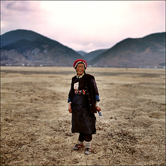 Road to Tibet (mechakucha) Tags: china 6x6 zeiss slide tibet hasselblad chinadigitaltimes yunnan provia planar