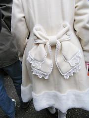 Japanese teen fashion (Chris Kutschera) Tags: fashion japan tokyo coat eccentric