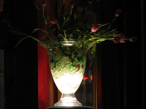 Lighted tulip vase
