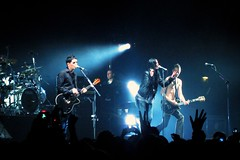 Placebo & VV from The Kills (ellectric) Tags: uk blue music london concert live gig crowd band 2006 stefan alexandrapalace april alison placebo vv thekills molko brianmolko alisonmosshart
