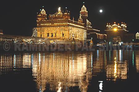 golden temple amritsar at night. Baisakhi Night at The Golden
