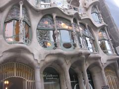 Antonio Gaudi Casa Batll (A.Currell) Tags: barcelona art liberty casa spain espana artnouveau gaudi nouveau antonio stile jugendstil modernista batll sezessionstil secessionism