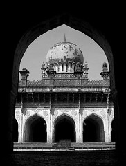 ibrahim rauza B I J A P U R (Dharmesh Thakker) Tags: bw sculpture india window stone architecture arch south carving dome frame ibrahim islamic constrast bijapur rauza