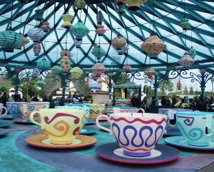 tea cup ride, disney world, paris
