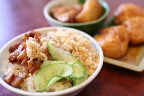 Sticky rice and stewed tofu and fish ball
