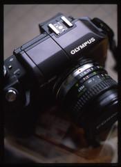 shooting Olympus by Olympus (rahen z) Tags: camera film japan pen iso100 e300 olympuse300 halfframe provia100f penft reversal fujichromeprovia100f rdpiii ハーフサイズ 40mmf14 penzuiko のり弁 onthenoriben