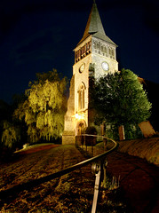 Wickham Church at Night (jrphotostar) Tags: church night canon 350d lowlight railing wickham jrphotostar hqf0506