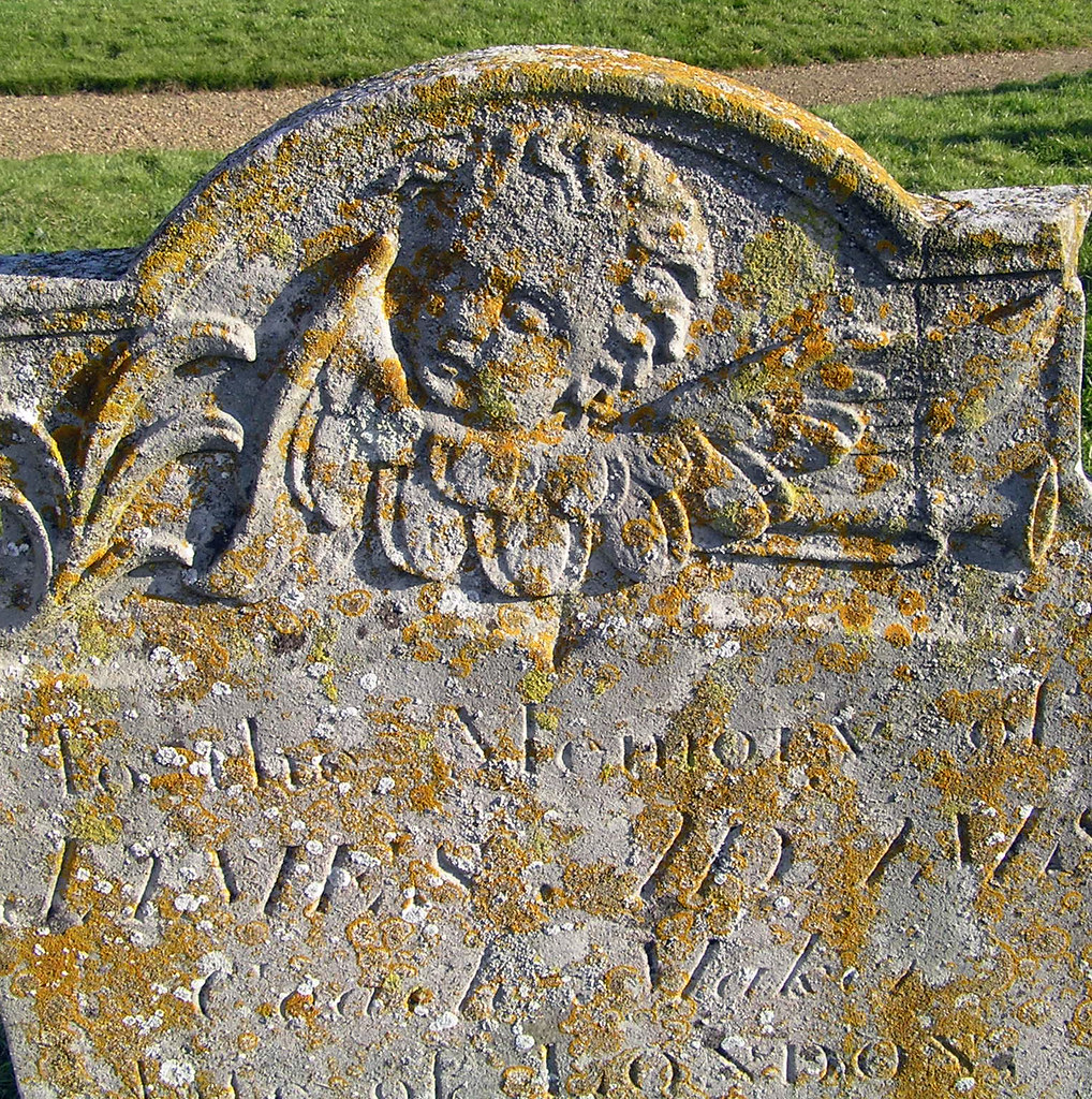 St Margaret's Church : Headstone Angel