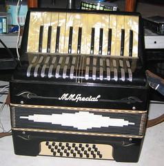 MM Special (plenty.r.) Tags: accordion accordian immortal nofitstate