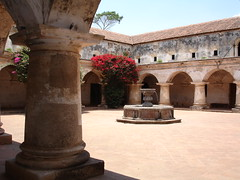 Antigua Guatemala (anita gt) Tags: beautiful guatemala sony ruin antigua dscp200 guate sonydscp200 antiguaguatemala flickrsbest flickrgt
