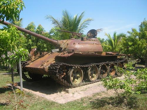 war cambodia cambodian tank civilwar