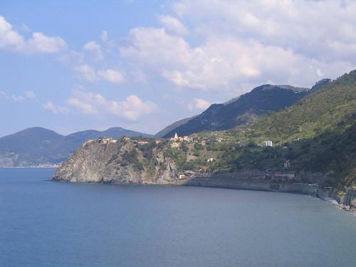 cinqueterre 23 - Corniglia in distance