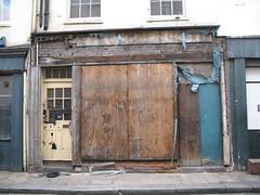 Spot the rat (helen.2006) Tags: guessed mayfair guesswherelondon gwl trebeckstreet