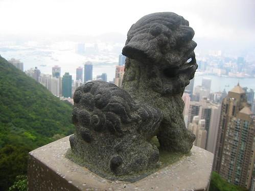 Monumento y vista panorámica desde el Pico Victoria