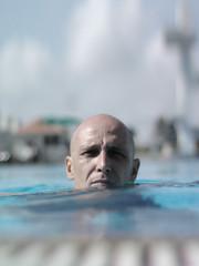Antoine (b) (Yorick...) Tags: blue portrait pool face swimming grey yorick colorless antoine bokehphotooftheday bokehsoniceseptember bokehsoniceseptember27