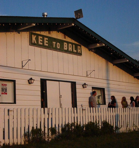 The Kee to Bala is Muskokas famed concert hall (photo by Reegmo).