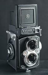 Yashica Mat-124 (Pezti) Tags: cameras yashicamat124