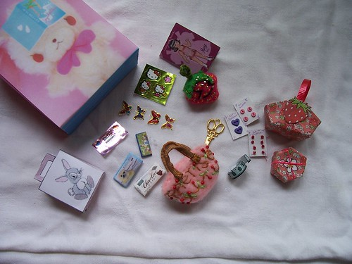 Kingsley's sewing kit, candy, stickers, paperdoll