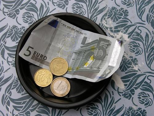 deux cafés: 3 € 60 le 9 août 2006 par Palagret