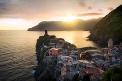 Vernazza at sunset (Damien Borel) Tags: light sunset sea italy sun cinqueterre vernazza boblastic damienborel