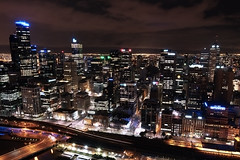 City lights (inventing pictures) Tags: city light streets tower view floor amp australia melbourne australien aussicht 50th rialto nab eureka hochhaus nght langzeitbelichtung yarrariver nikond810