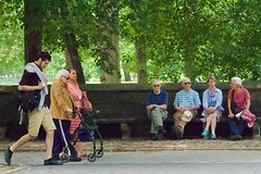 The old folks love to watch the parade (Ed Yourdon) Tags: newyork sunglasses bench centralpark manhattan streetphotography walker hood peeps uppereastside yourdon