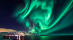 Nature's Fireworks (explored) (hpd-fotografy) Tags: arctic aurora borealis flakstadøya lofoten northernlights norway beach cold longexposure night seascape snow stars water winter